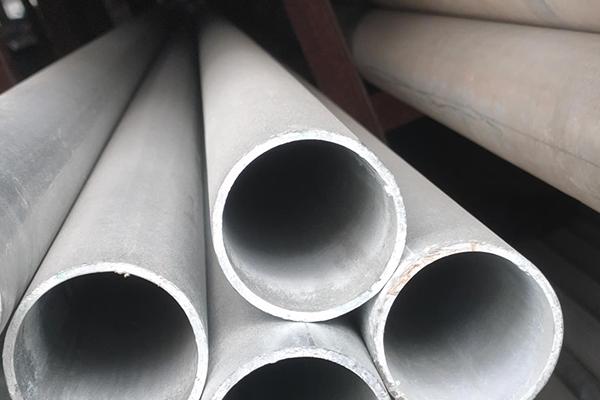 镀锌钢管的特性影响以及除锈的方法